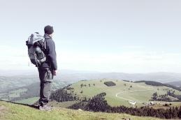 Mann beim Bergsteigen; men on the mountain