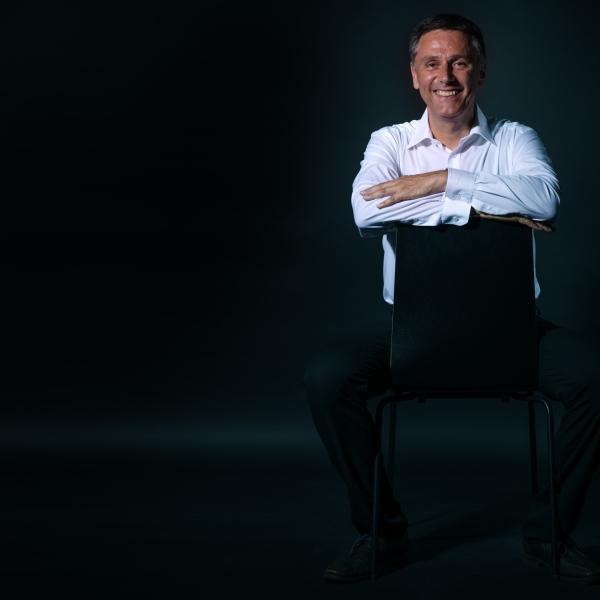 men portrait, white shirt, business men, manager, leisure