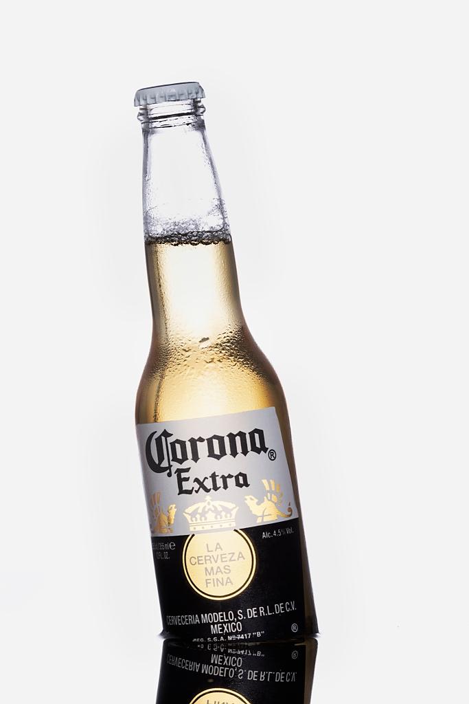 corona beer with reflection